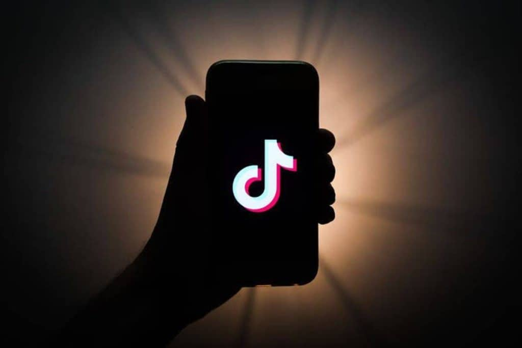 10 Simple Ways To Get Famous on TikTok Quickly
